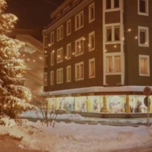 Bregenz, Kaufhaus Bertolini in der Adventszeit / Fotograf: Norbert Bertolini von Bertolini, Norbert