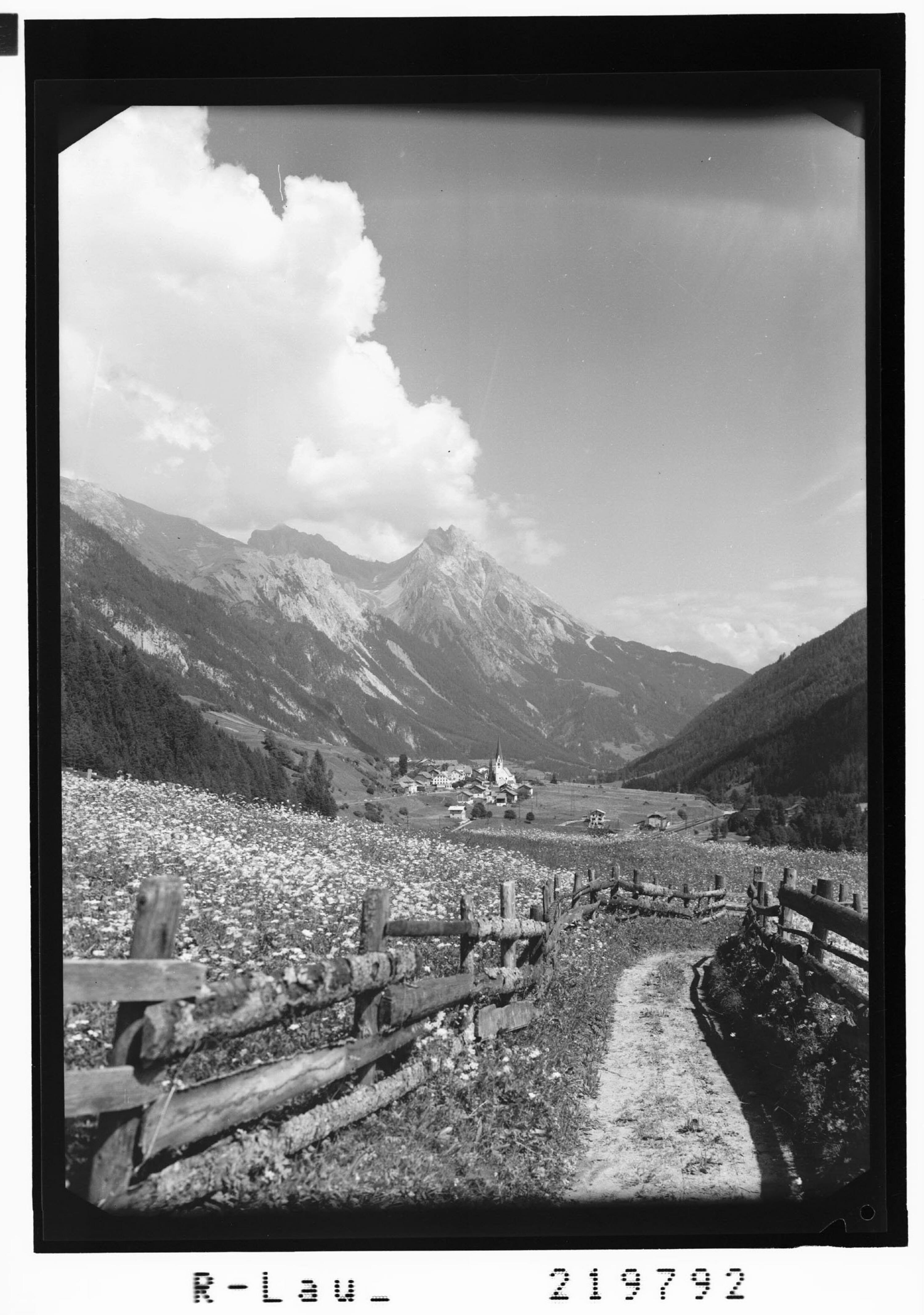 Pettneu im Stanzertal gegen Eisenspitze / Tirol von Risch-Lau