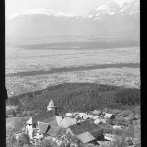 Viktorsberg gegen Schweizer Berge von Risch-Lau