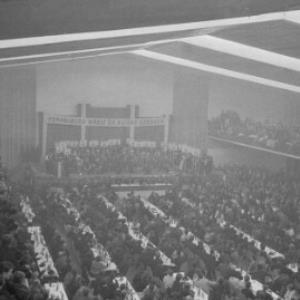 Alfons Gorbach im Wahlkampf um die Bundespräsidentschaft in der Dornbirner Messehalle / Oskar Spang von Spang, Oskar