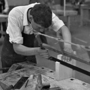 8. Bundesleistungswettbewerb der österreichischen Tischlerlehrlinge in der Messehalle in Dornbirn / Oskar Spang von Spang, Oskar