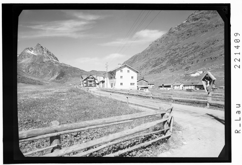 Alpengasthof Ballunspitze in Galtür mit Blick zur Ballunspitze von Risch-Lau