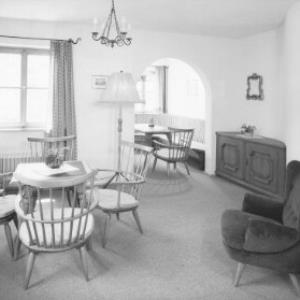 Salon im Hospiz Hotel in St.Christoph am Arlberg von Risch-Lau
