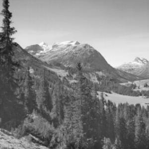 Blick von Lech am Arlberg gegen Spuller Schafberg und Rote Wand von Risch-Lau