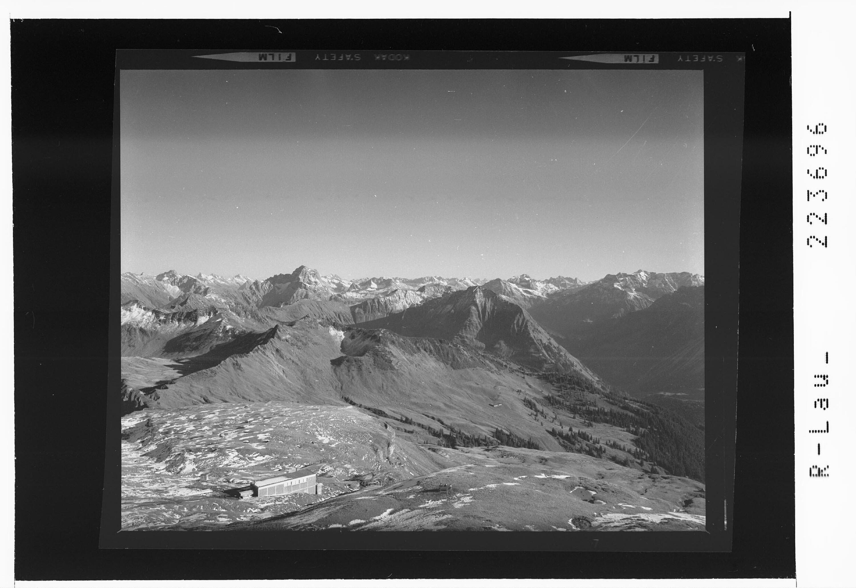 Blick vom Diedamskopf gegen Widderstein und Braunarlspitze von Risch-Lau