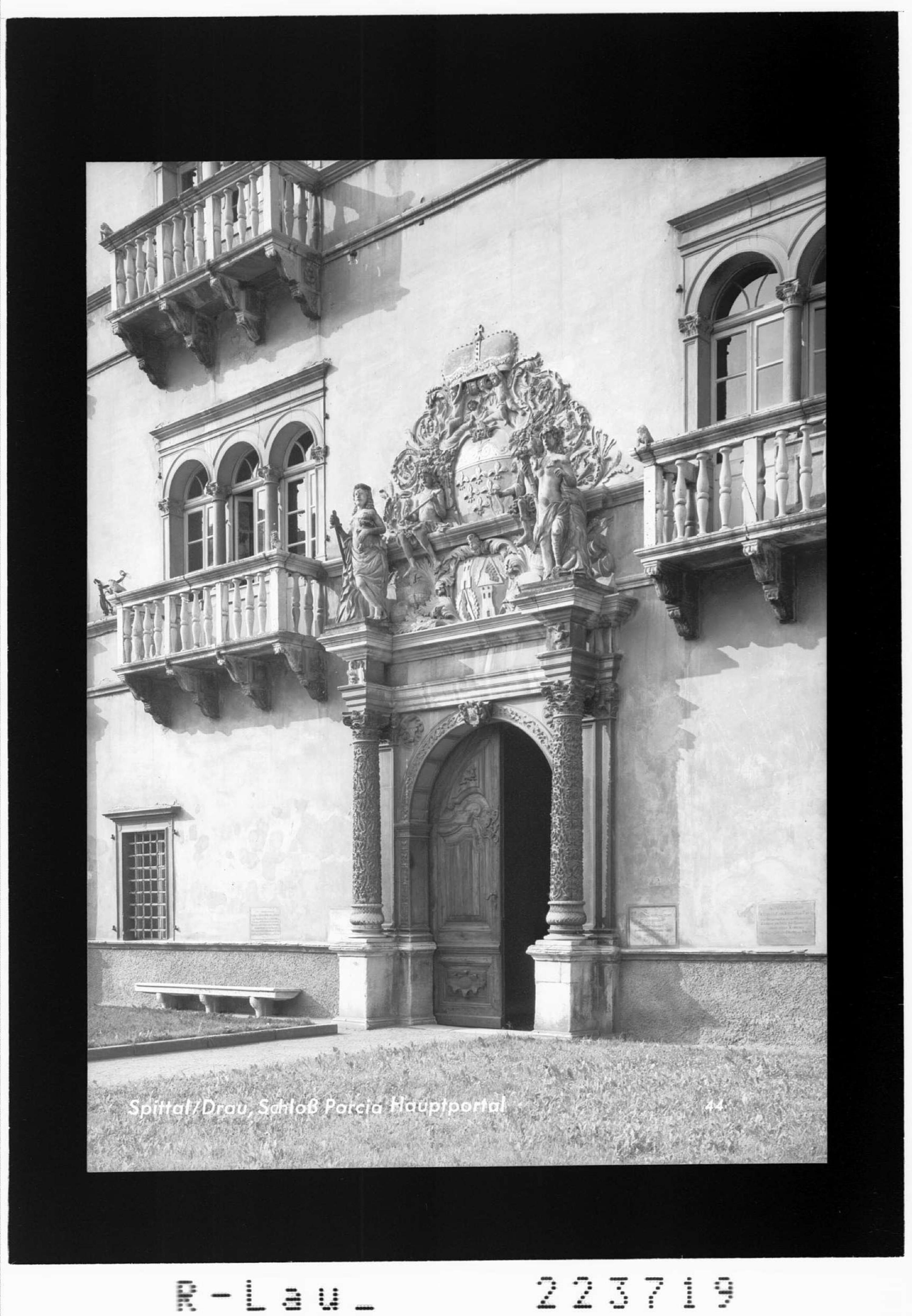 Spittal an der Drau / Schloss Porcia - Hauptportal von Gamberger