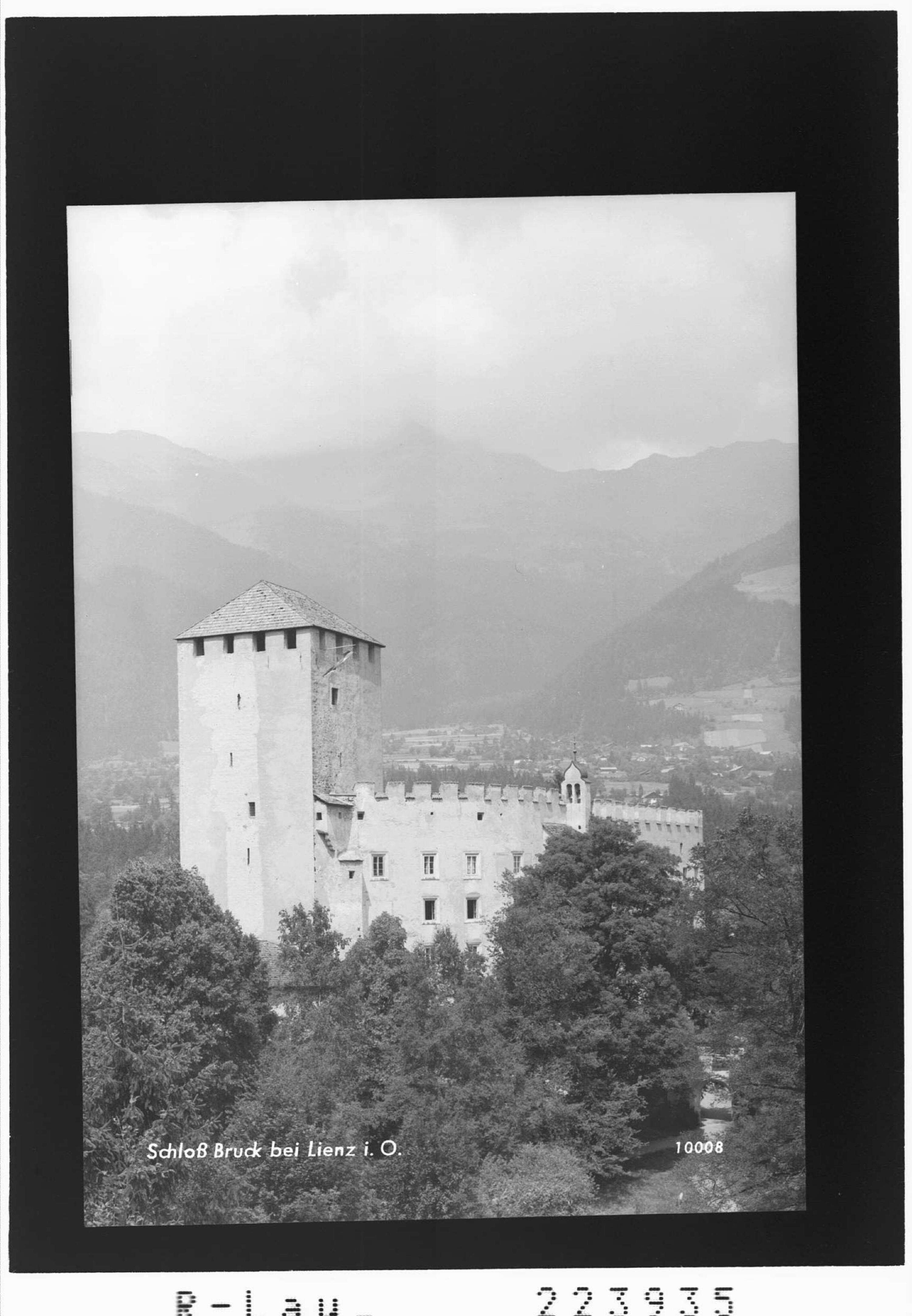 Schloss Bruck bei Lienz in Osttirol von Gamberger