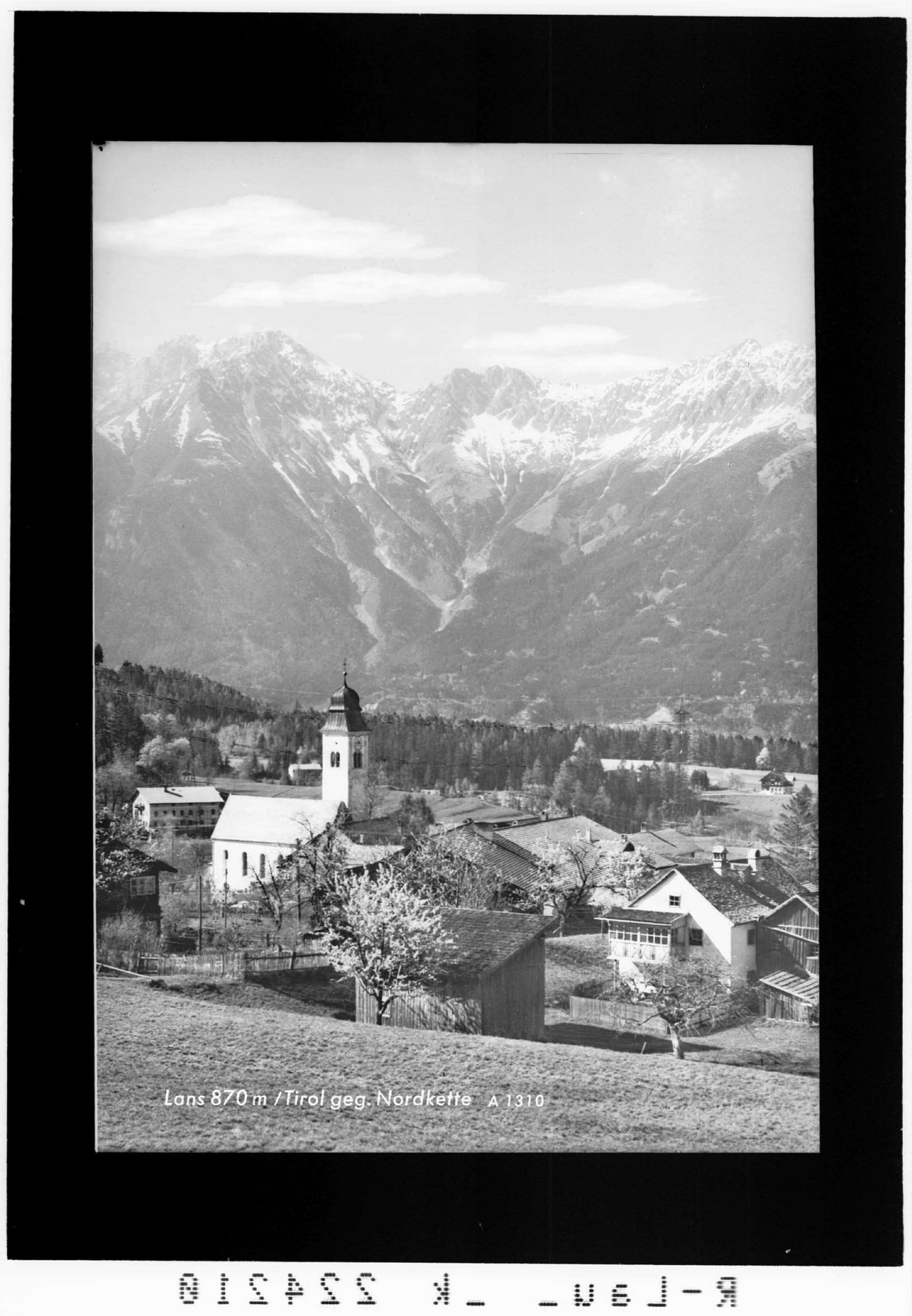 Lans 870 m / Tirol gegen Nordkette von Wilhelm Stempfle