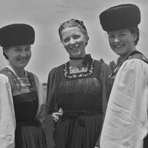 Bezau, Bregenzerwälder Tracht, Frauentracht / Franz Beer von Beer, Franz