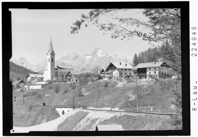 Reith bei Seefeld gegen Wetterstein Gebirge mit der Leutascher Dreitorspitze von Wilhelm Stempfle
