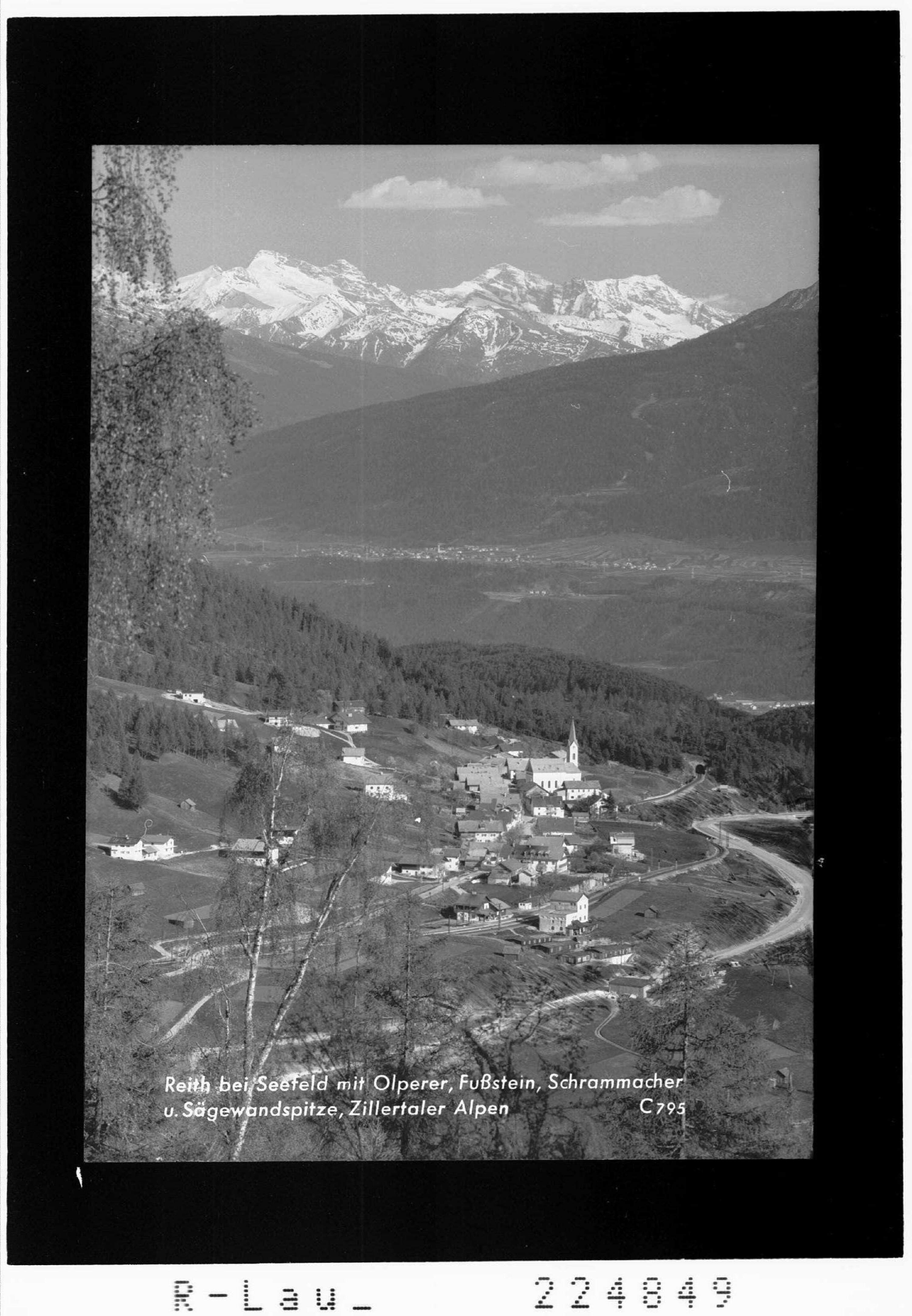 Reith bei Seefeld mit Olperer - Fußstein - Schrammacher und Sägewandspitze / Zillertaler Alpen von Wilhelm Stempfle