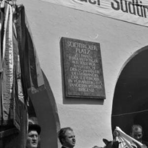 25 Jahre Verband der Südtiroler in Vorarlberg - Einweihung Südtirolerplatz / Oskar Spang von Spang, Oskar