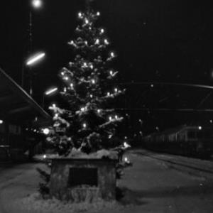 Bregenzer Bahnhof mit Weihnachtsbeleuchtung / Oskar Spang von Spang, Oskar