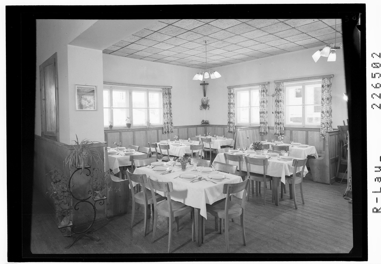 Navis in Tirol / Gasthof Jenewein / Speisezimmer von Wilhelm Stempfle
