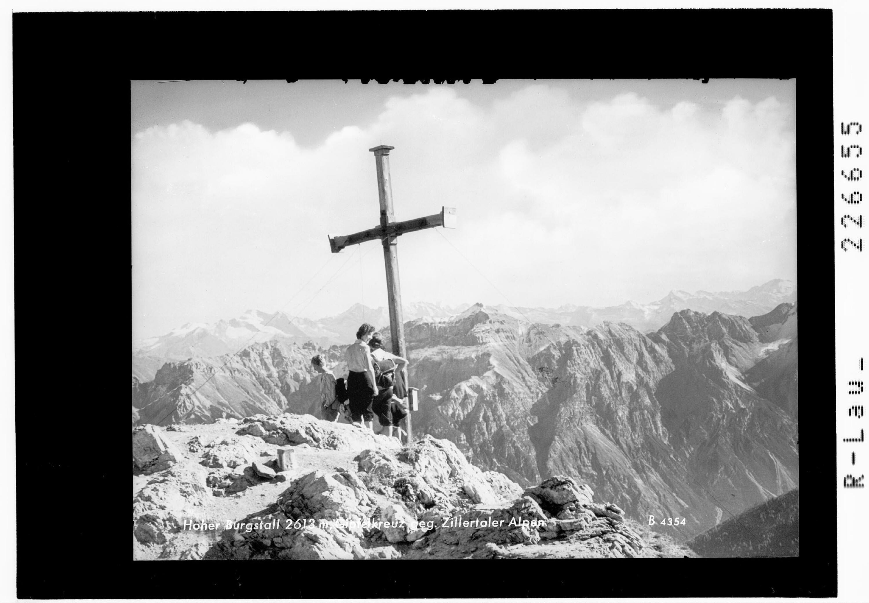 Hoher Burgstall 2613 m / Gipfelkreuz gegen Zillertaler Alpen von Wilhelm Stempfle