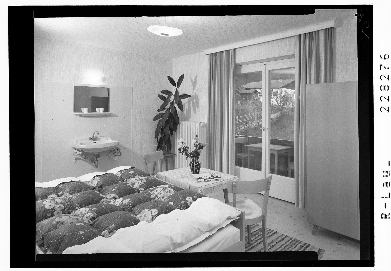 Fremdenzimmer im Gasthof Naviser Hof / St. Kathrein / Tirol von Wilhelm Stempfle