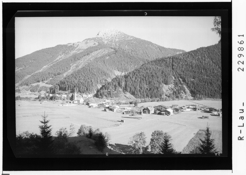 Häselgehr im Lechtal gegen Lichtspitze / Ausserfern / Tirol