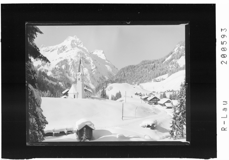 Schröcken 1265 m gegen Künzelspitze 2415 m von Risch-Lau