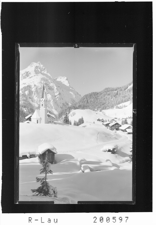 Schröcken 1269 m gegen Künzelspitze 2415 m von Risch-Lau