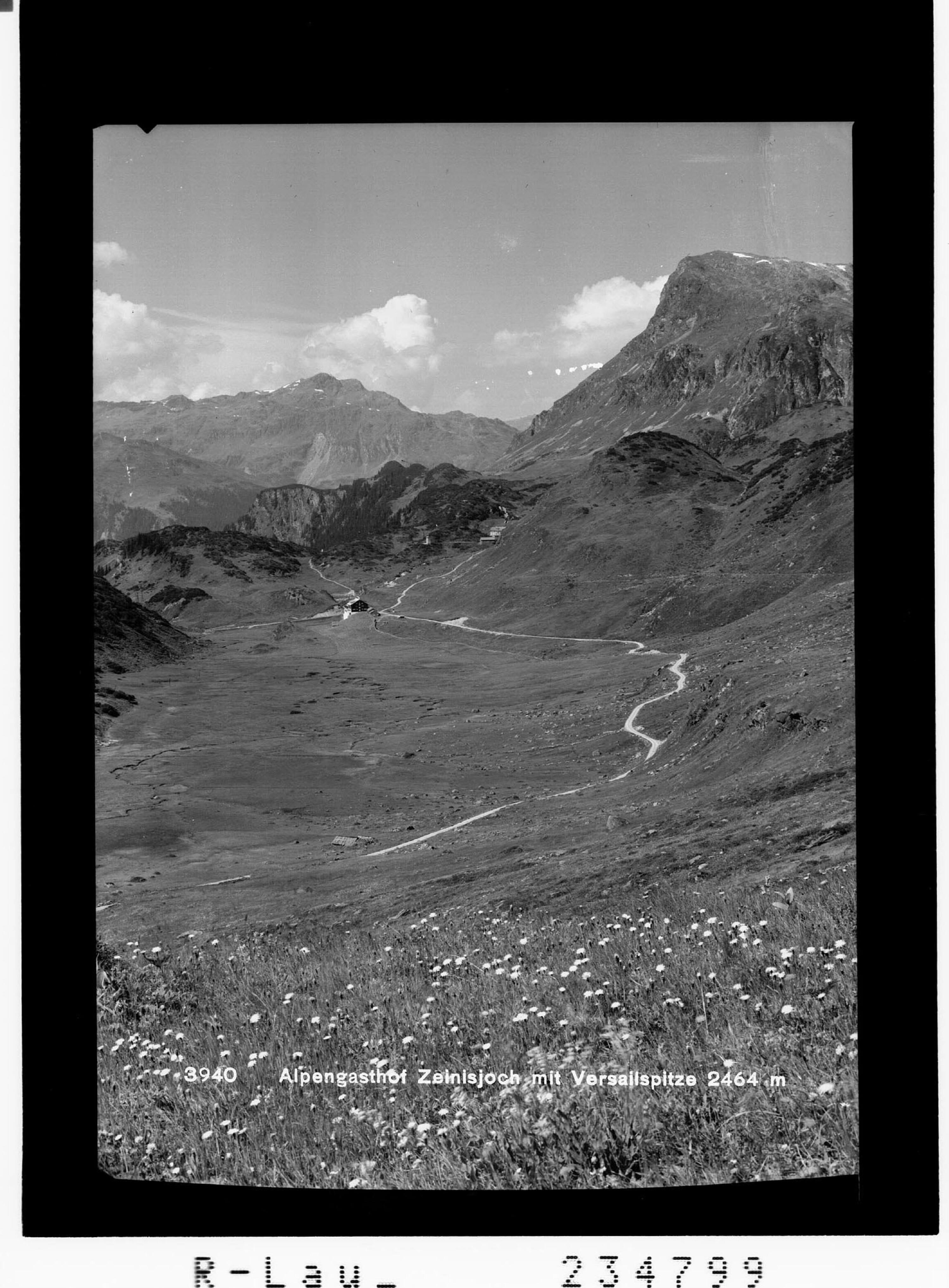 Alpengasthof Zeinisjoch mit Versailspitze 2464 m von Rhomberg