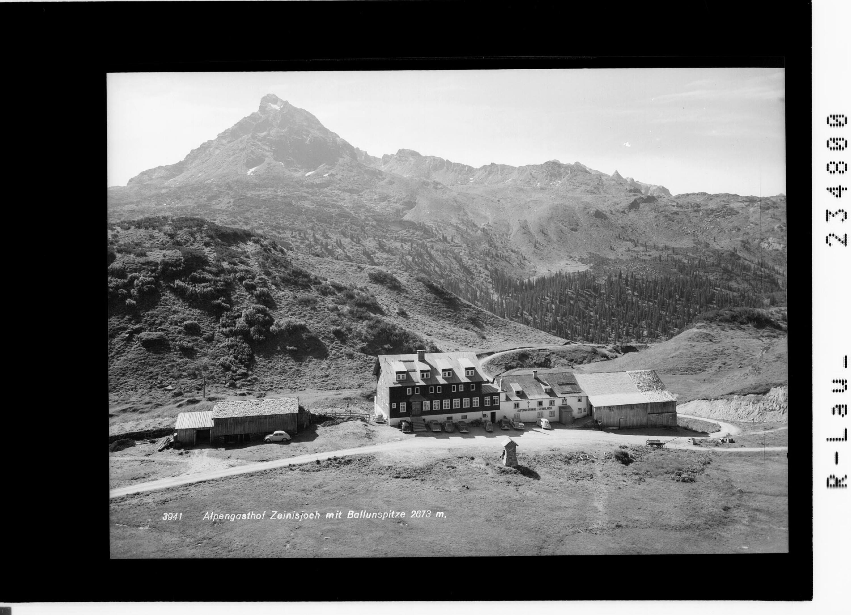 Alpengasthof Zeinisjoch mit Ballunspitze 2673 m von Rhomberg