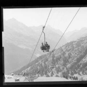 St.Anton am Arlberg 1304 m, Schindlerbahn gegen Ferwallgruppe und Galzig by Risch-Lau