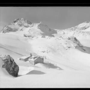 Silvretta / Wiesbadner Hütte 2450 m mit Piz Buin 3312 m, Signalhorn - Eckhorn und Ochsentaler Gletscher von Risch-Lau