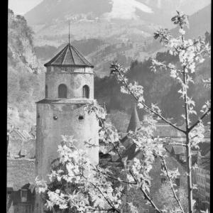 Feldkirch / Vorarlberg / Katzenturm gegen Gurtisspitze von Risch-Lau
