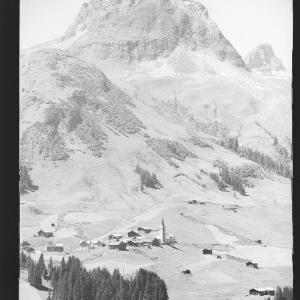 Warth am Arlberg 1500 m gegen Karhorn von Risch-Lau