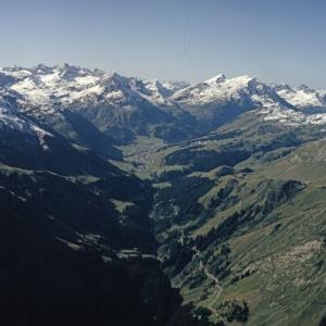 Lech am Arlberg - Flug / Helmut Klapper von Klapper, Helmut
