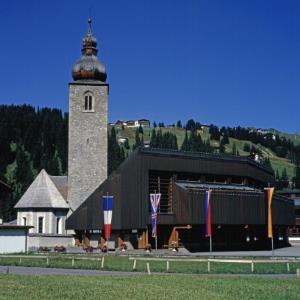 Lech am Arlberg - Kirche / Helmut Klapper von Klapper, Helmut