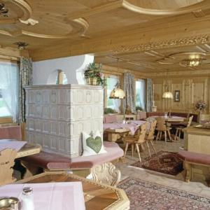 Restaurant in Lech am Arlberg / Helmut Klapper von Klapper, Helmut