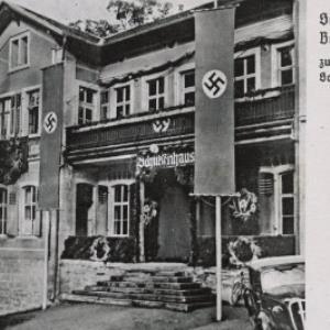 Schützengasthaus Berg Jsel, Bregenz zum Erntedankfest- Schießen 1939 geschmückt / F. Findler von Findler, F.