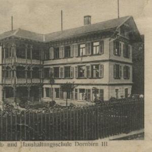 Koch- und Haushaltungsschule Dornbirn III von [Verlag nicht ermittelt]