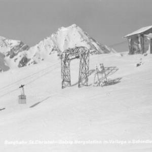 Bergbahn St.Christoph-Galzig Bergstation mit Valluga und Schindlerspitze von Risch-Lau