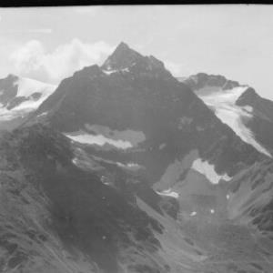 Blick zum Hohen Riffler mit Blankahorn von Risch-Lau