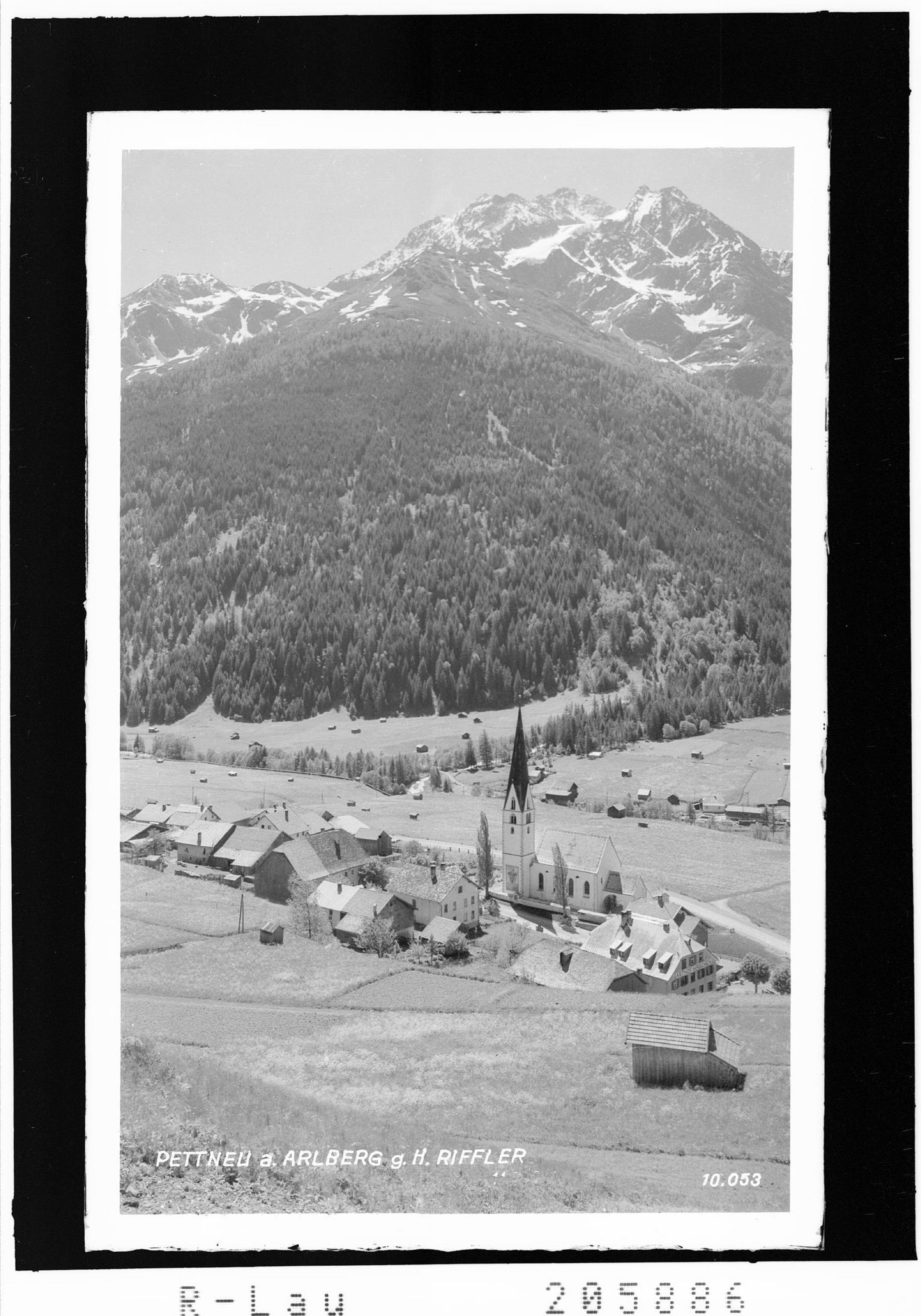 Pettneu am Arlberg gegen Hohen Riffler von Risch-Lau